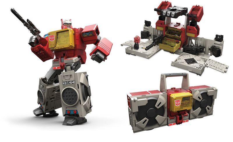 800px-Transformers-Generations-Titans-Return-Leader-Class-Blaster.jpg